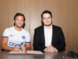 Drinkwater signs for Kasimpasa on loan. Kasimpasa