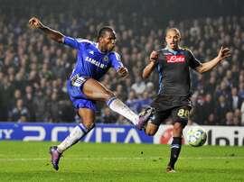 Drogba foi destaque da equipe histórica do Chelsea na temporada 2009-10. AFP