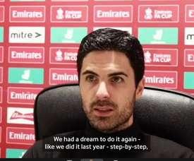 Mikel Arteta talks after Arsenal's 1-0 defeat against Southampton. DUGOUT