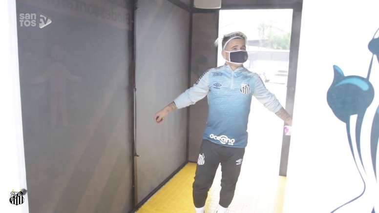 Santos instala túnel de biodescontaminação no CT Rei Pelé. DUGOUT