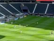 Le match nul entre Monaco et Franfort en amical. dugout