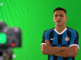 Il primo giorno di Sanchez all'Inter. Dugout
