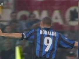 Ronaldo, Zamorano e Simeone acabam com a Roma em 1999. DUGOUT
