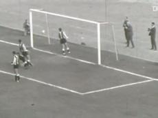 The best goals of Ajax legend Sjaak Swart. DUGOUT
