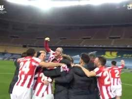 I festeggiamenti dell'Athletic Bilbao. Dugout