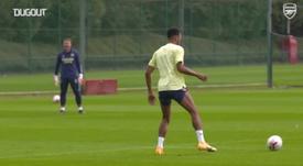 De contrato renovado, Aubameyang treina para duelo contra o West Ham. DUGOUT