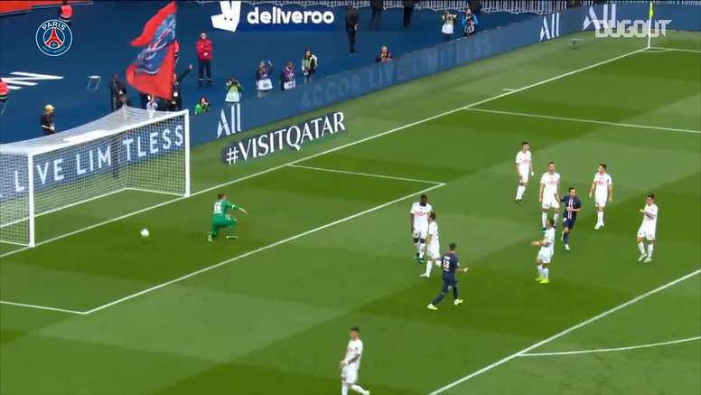 PSG easily beat Angers last season. DUGOUT