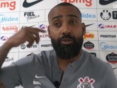 Técnico interino do Corinthians, Coelho falou sobre a situação de Cazares. DUGOUT