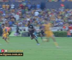 Rafael Sóbis em ação pelo Tigres do México. DUGOUT