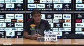 Técnico do Santos falou após derrota para o Goiás. DUGOUT