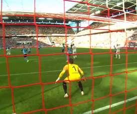 Yann Sommer's best saves for Borussia Mönchengladbach. DUGOUT