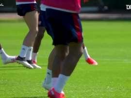 Martinelli treina forte no Arsenal para retorno da Premier League. DUGOUT
