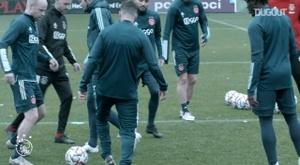 Bastidores de Ajax x Liverpool na Champions de 2020/21. DUGOUT
