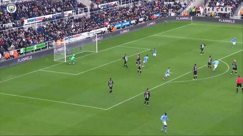 Le but splendide de De Bruyne contre Newcastle. dugout