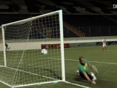 Manuel Rosas faz um lindo gol de falta. DUGOUT