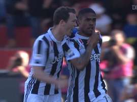 VIDEO: Douglas Costa's amazing goal Vs Benevento. DUGOUT