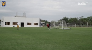 Tigres's game in training. DUGOUT