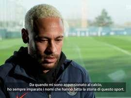 Neymar ricorda Maradona. DUGOUT