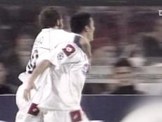 Le but magnifique de Mauro Camoranesi contre Feyenoord. Dugout