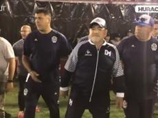 Maradona allo stadio dell'Huracan. Dugout