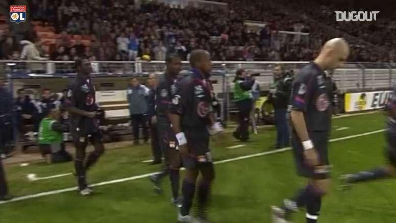 Juninho Pernambucano alcança 50 gols pelo Lyon contra o Auxerre. DUGOUT