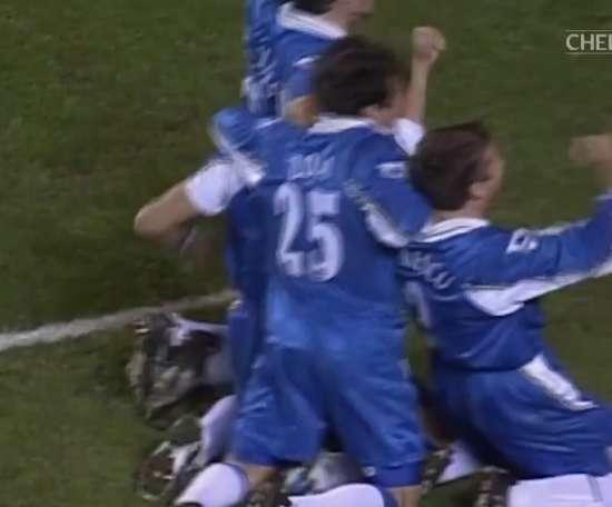 Le superbe but de Di Matteo contre Arsenal en 1998. DUGOUT