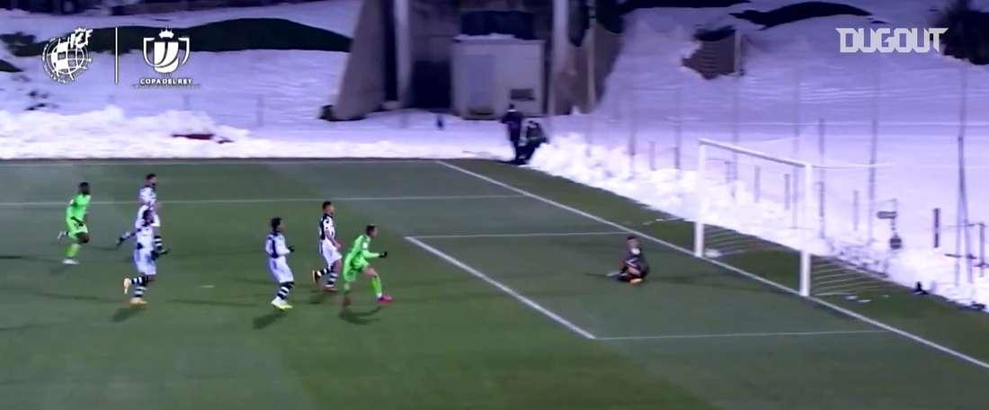 La passe magnifique d'Oscar Pinchi contre Levante. dugout