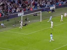 La première saison fantastique d'Aguero à Manchester City. DUGOUT