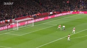 Son marca pelo Tottenham sobre o Arsenal. DUGOUT