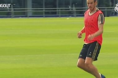 Real Madrid treina em dois grupos. DUGOUT