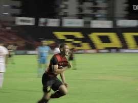 Adryelson segna al suo debutto con lo Sport Recife. Dugout