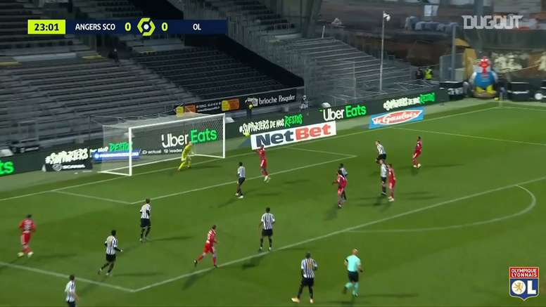 Lyon won 1-0. DUGOUT