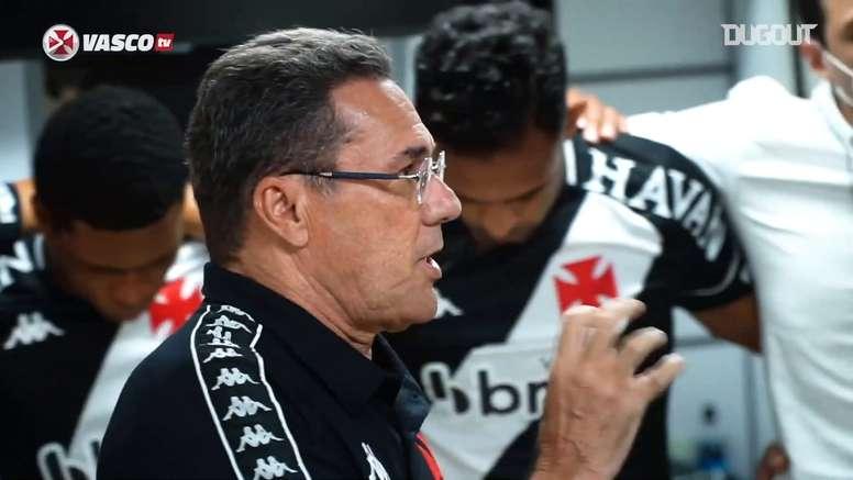 Luxemburgo dá show em preleção antes de vitória sobre o Botafogo. DUGOUT