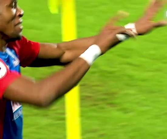 Wilfried Zaha em momentos incríveis pelo Crystal Palace. DUGOUT
