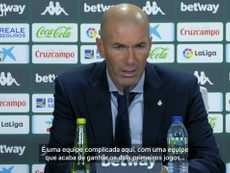 Zinedine Zidane concedeu entrevista após a partida contra o Betis. DUGOUT