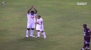 Le joli but de loin d'Alex Sandro avec Santos. DUGOUT
