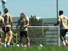Marcelo dá show em futevôlei no Real Madrid. DUGOUT