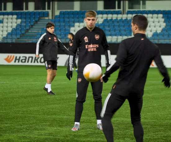 Arsenal stars in training before Molde clash. DUGOUT