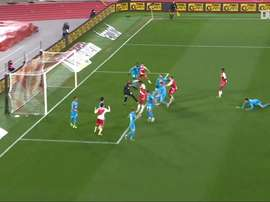 Il primo gol di Tchouaméni con il Monaco. Dugout
