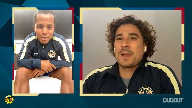 Dos Santos y Ochoa repasan anécdotas. DUGOUT