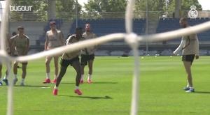 Jogadores do Real Madrid treinam finalizações. DUGOUT