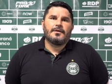 Técnico do Coxa analisa derrota para o Athletico-PR. DUGOUT