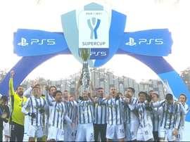 I festeggiamenti della Juventus. Dugout