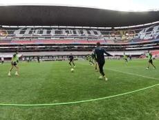 América train ahead of the match. DUGOUT
