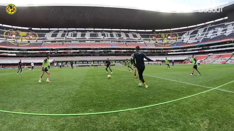 América train ahead of the match. DUGOUT