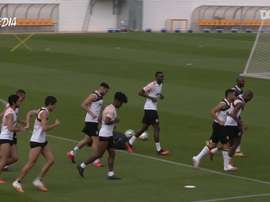 Valencia practised their shooting and passing on Monday in one big group. DUGOUT