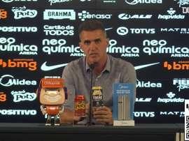 Técnico Vagner Mancini concedeu entrevista após goleada sobre o Fluminense. DUGOUT