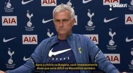 Mourinho se emociona com pergunta e discurso de jornalista da Macedônia. DUGOUT