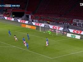 Antony gave 10 man Ajax victory over Vitesse. DUGOUT