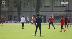 Le but et la passe décisive d'Ochoa à l'entrainement. dugout